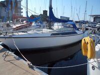 Maxi 95 32 foot mid cockpit sailboat