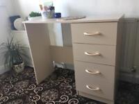 Dressing table/Desk Good as new!