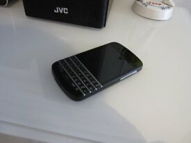 BlackBerry Q10 SIM-is on vodafone network Smartphone - Black