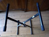 Adam Hall Foldable and Adjustable X-Frame Keyboard Stand