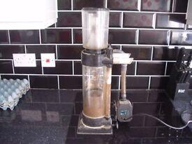 Aqua Medic protein skimmer with pump