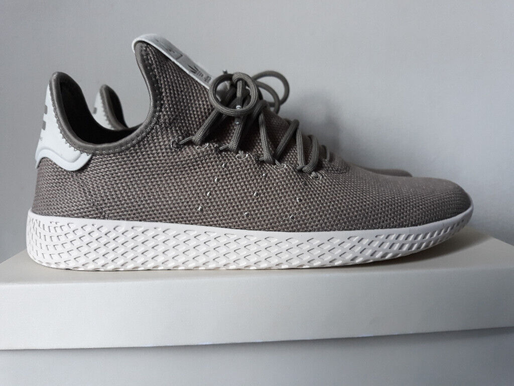 size 40 a4d65 f1999 Pharell Williams Adidas men trainers