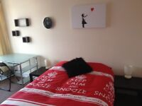 Lovely large double room in Portswood for 2 month summer let all bills inc