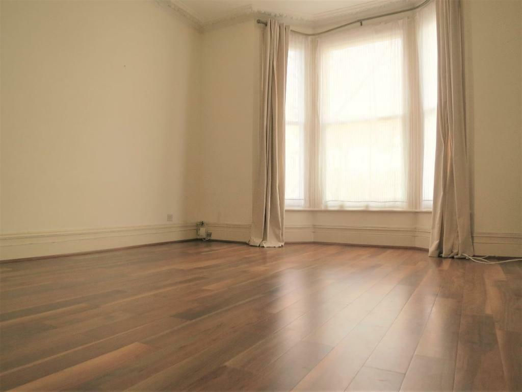 2 bedroom flat in ST MARGARETS ROAD, ST MARGARETS 2 MINS WALK STATION