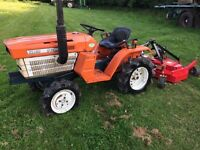Kubota B1200 4WD Compact Tractor with new 4ft Finishing mower, Lovely tractor