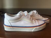 Ladies Vans Old Skool Size 3