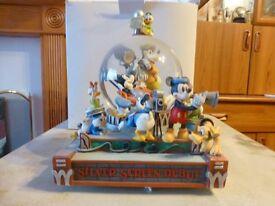walt disney musical snow globe rare & boxed