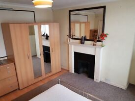 Double room to let - Tolworth (KT6) - £550/m inclusive