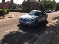 Mercedes E class 220 CDI Avantgarde 09 reg tax and mot