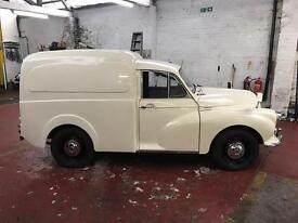 Classic Morris minor van