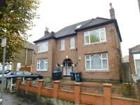 2 bedroom house in Napier Road, Wembley