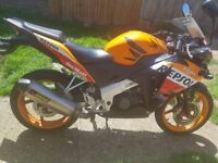 Immuculate condition Honda CBR125R Repsol 125cc highly popular learner legal sports motorbike
