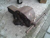 Heavy duty bench vice ....