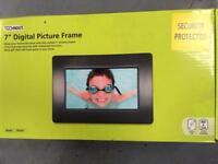"""Digital picture frame, 7"""""""