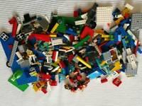 Assorted Lego Bricks & Pieces