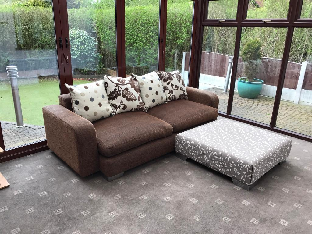 Dfs 3 seater large footrest corner sofa fabric good condition dfs 3 seater large footrest corner sofa fabric good condition chrome feet parisarafo Image collections
