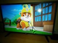 """LG 32"""" HD LED TV"""