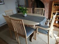 Extending Dining table (Maple) with 6 chairs