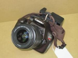 appareil photo Canon EOS REBEL T3  excellente condition #F022366