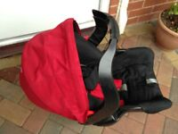 Graco Group 0 car set, rear facing in Red. Includes Isofix base.