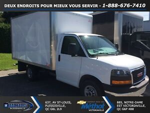 2014 GMC Savana 3500+RAMPE+12 PIEDS+SIMPLE ROUE
