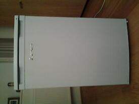 lec undercounter fridge model number L5010W