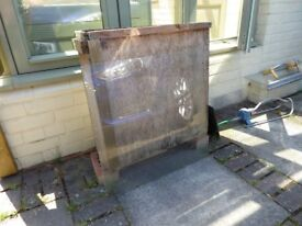 Greenhouse glass. 24ins x 24ins, used but good condition. 15 sheets.