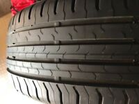 4x Tyres ( continental) 215/55 R17 V with tyre bags and storage rack