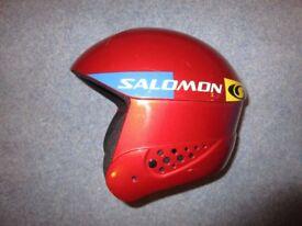 SALOMON CHILDREN'S SKI HELMET. USED. EXCELLENT CONDITION SIZE 57-58CM (MEDIUM)
