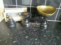 Salter scales with box