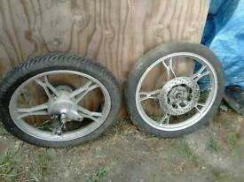 Motorcycle wheels 275/17