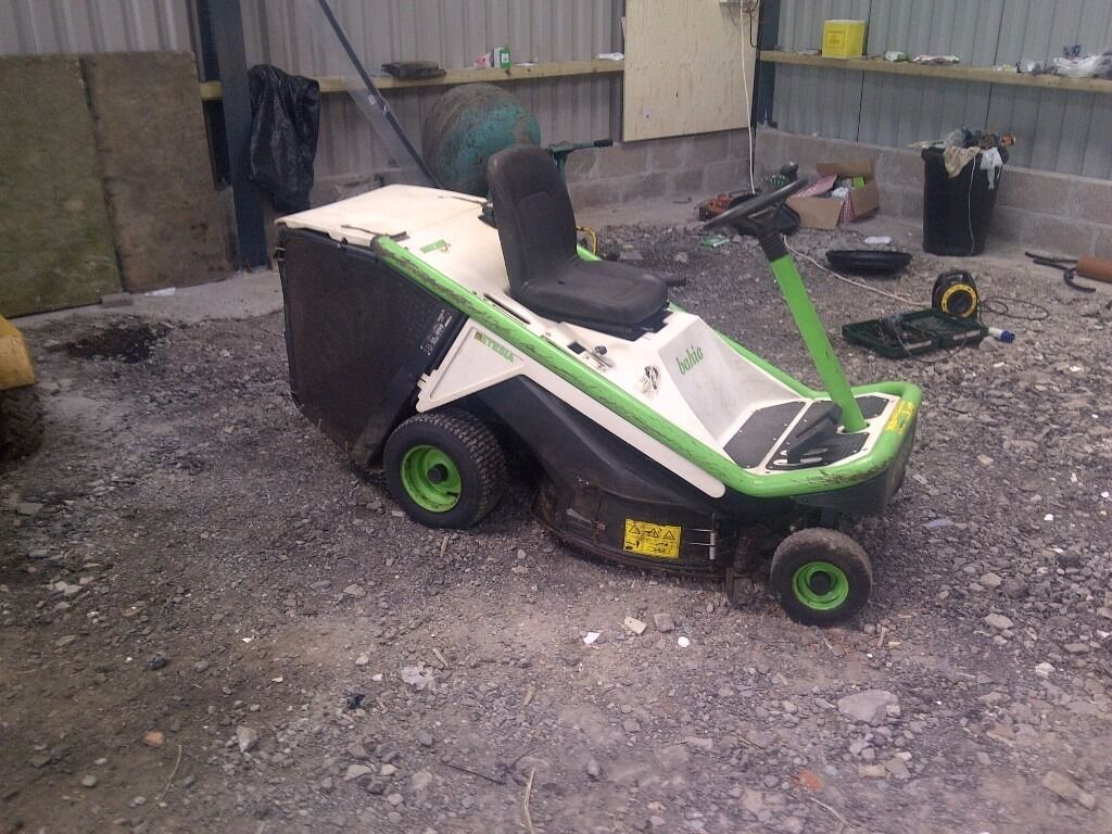 Etesia Mkhe Hydro 80 Ride On Lawn Mower Kawasaki V Twin