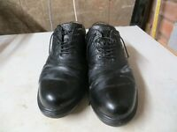 Ecco Black Leather golf shoes