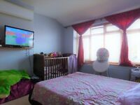 Spaciuos 3 Bedroom house with Garden, 5 Minutes away from Greenford Sation.