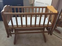 Solid Oak Wood Baby's Crib 👶 0-8 months