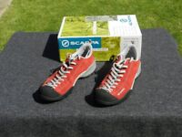 Scarpa Mojito approach shoes size 9 (42) in red
