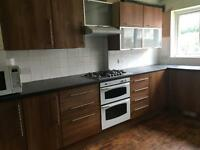 6 bedroom house in Woodside Road, Beeston, NG9