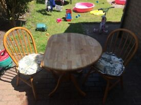 Drop down sides table with 2 chairs