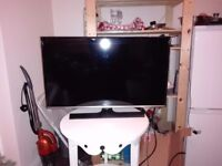 SAMSUNG 32'' FULL HD LED TV - 1 YEAR OLD