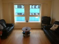 Stunning 2 bedroom, 2 bathroom flat available now only 10 minutes walk to the City Centre