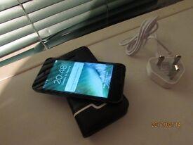 Apple iphone 5 -16 GB Black &Grey EE/Orange/t-mobile &Virgin LockedSmartphone with case VGC