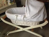 Mosses basket, hardly used.. Sibling no.4 is loved so much, nobody puts him down. Almost brand new.