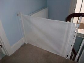 Lascal Kiddyguard stairgate, blind-type, fits any opening