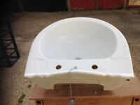 Used victorian style basin and pedestal, in very good condition,