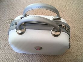 Domo Vanity Case. Never used great condition