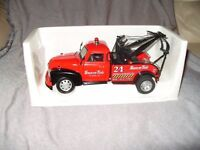 SNAP ON 40th ANNIVERSARY LIMITED EDITION 1953 CHEVY TOW TRUCK (BRAND NEW, BOX DESTROYED) £27.50 ovno