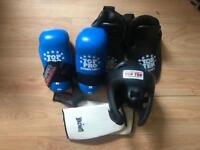 Gloves sparring pads taekwon do