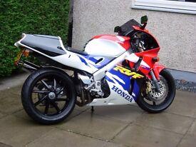 Rare HONDA RVF 400 (NC35) V4 in good condition (Scotland)