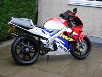 Rare HONDA RVF 400 (NC35) V4 in good condition (Scotland)