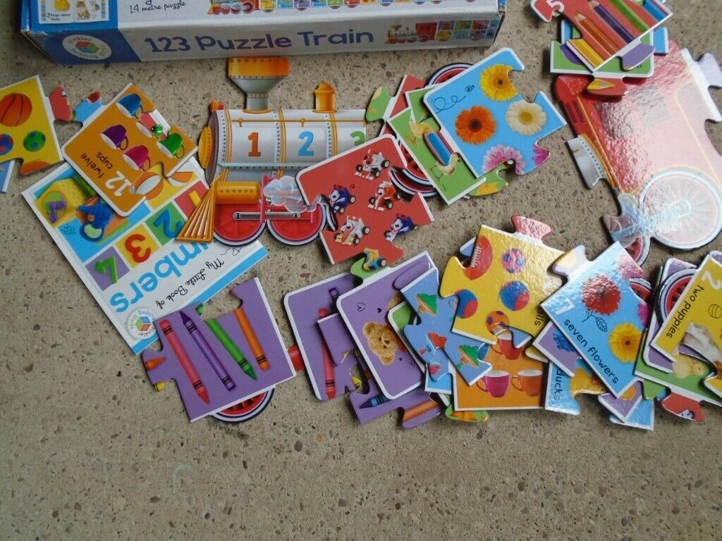 Children's Jigsaw puzzles. in ST7 Pits